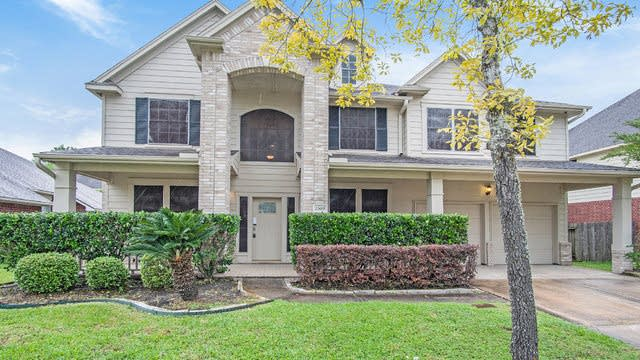 Photo 1 of 18 - 1509 Pine Walk Dr, Pearland, TX 77581