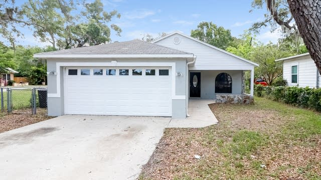 Photo 1 of 24 - 709 Vine Ave, Clearwater, FL 33755