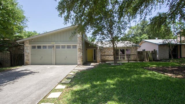 Photo 1 of 13 - 6315 Marrogot Run St, San Antonio, TX 78233