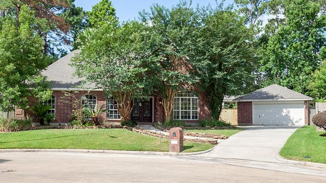 Photo 1 of 18 - 19003 Pinewood Glen Dr, Spring, TX 77388