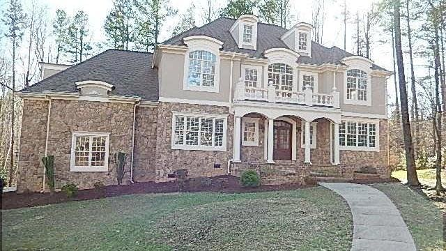 Photo 1 of 25 - 1061 Silverleaf Dr, Youngsville, NC 27596