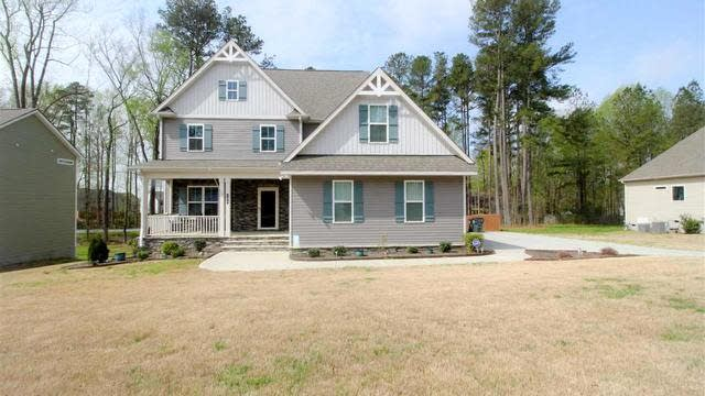 Photo 1 of 30 - 105 Laurel Oaks Dr, Youngsville, NC 27596