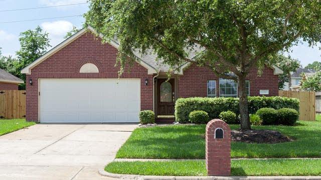 Photo 1 of 16 - 1319 S Teal Estates Cir, Fresno, TX 77545