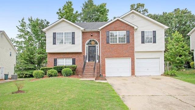 Photo 1 of 17 - 325 Oak Park Sq, Atlanta, GA 30349