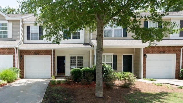 Photo 1 of 12 - 11051 Dixie Hills Dr, Charlotte, NC 28277