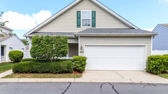 Photo 1 of 21 - 8850 Meadowmont View Dr, Charlotte, NC 28269