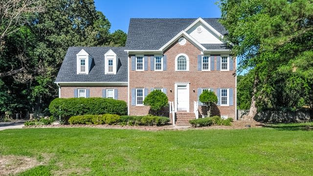 Photo 1 of 25 - 5116 Woodfield Ln, Knightdale, NC 27545