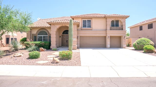 Photo 1 of 33 - 26073 N 72nd Ave, Peoria, AZ 85383