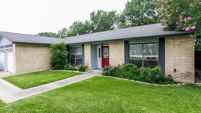 Photo 1 of 23 - 5419 Maple Vis, San Antonio, TX 78247