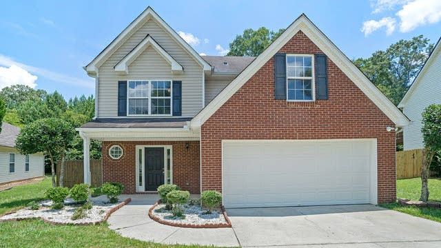 Photo 1 of 17 - 3540 Imperial Hill Dr, Snellville, GA 30039