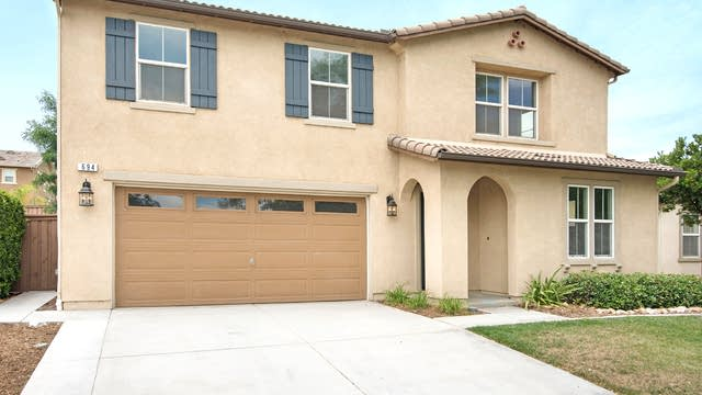 Photo 1 of 17 - 694 Julian Ave, San Jacinto, CA 92582