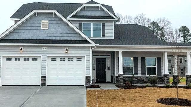 Photo 1 of 13 - 510 Richlands Cliff Dr, Youngsville, NC 27596