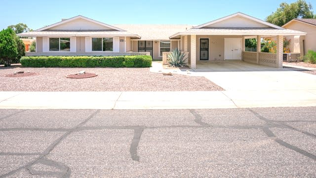 Photo 1 of 22 - 11001 W Cinnebar Ave, Sun City, AZ 85351