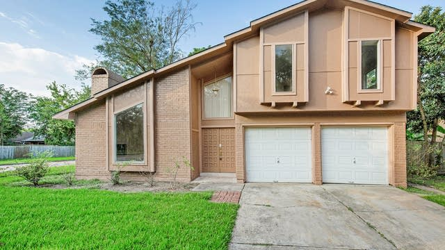 Photo 1 of 17 - 2303 Fall Meadow Dr, Missouri City, TX 77459
