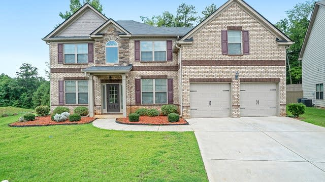 Photo 1 of 17 - 4332 Meadow Wind Dr, Snellville, GA 30039