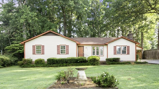 Photo 1 of 20 - 129 Smith Dr, Durham, NC 27712
