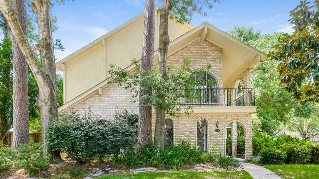 Photo 1 of 25 - 5702 Green Springs Dr, Houston, TX 77066