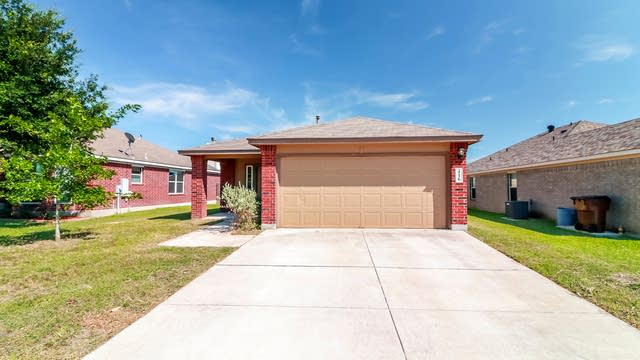 Photo 1 of 25 - 416 Summerside Ave, Lockhart, TX 78644