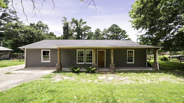 Photo 1 of 15 - 6394 Garrett Rd, Buford, GA 30518