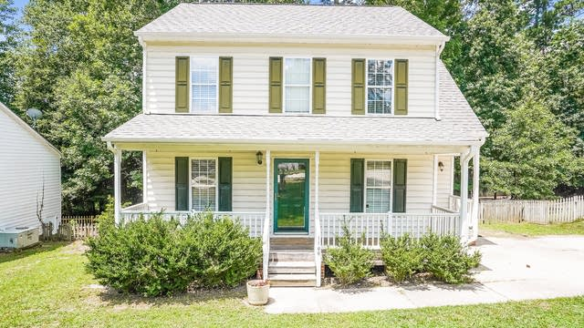 Photo 1 of 22 - 1106 Mango Crest Dr, Knightdale, NC 27545
