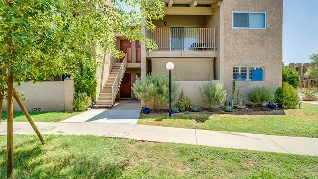 Photo 1 of 14 - 5525 E Thomas Rd Unit R12, Phoenix, AZ 85018