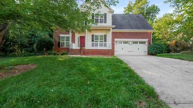 Photo 1 of 25 - 2815 Walcourt Valley Pl, Charlotte, NC 28270