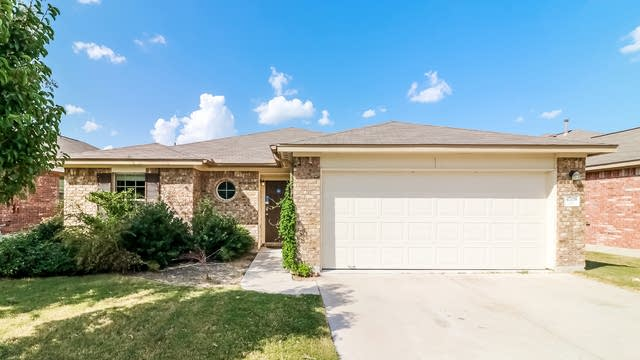 Photo 1 of 25 - 4708 Rolling Water Dr, Pflugerville, TX 78660