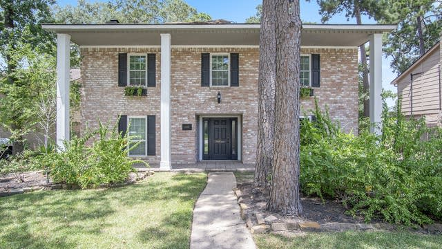 Photo 1 of 17 - 25115 London Town Dr, Spring, TX 77389