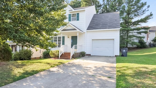 Photo 1 of 25 - 533 Arbor Creek Dr, Holly Springs, NC 27540