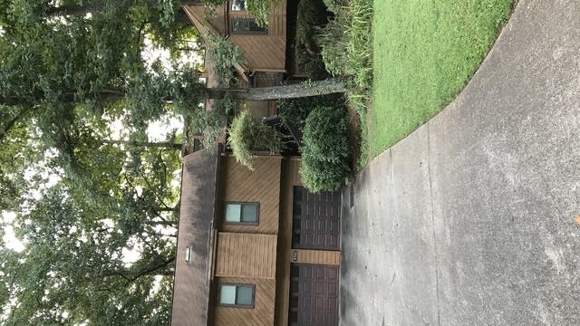 Photo 1 of 27 - 4046 Maxanne Dr NW, Kennesaw, GA 30144