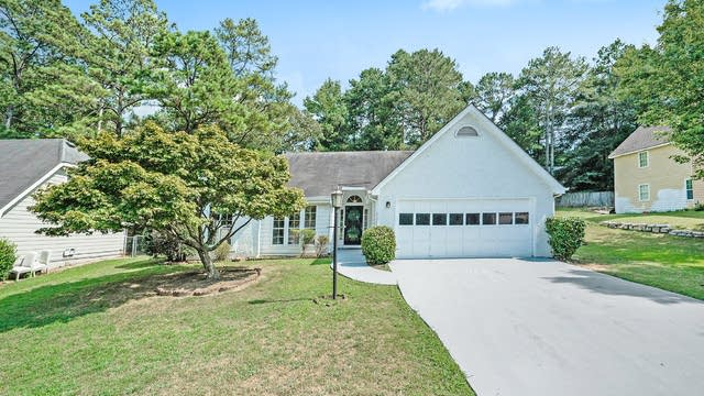 Photo 1 of 17 - 2180 Hollywood Dr, Lawrenceville, GA 30044