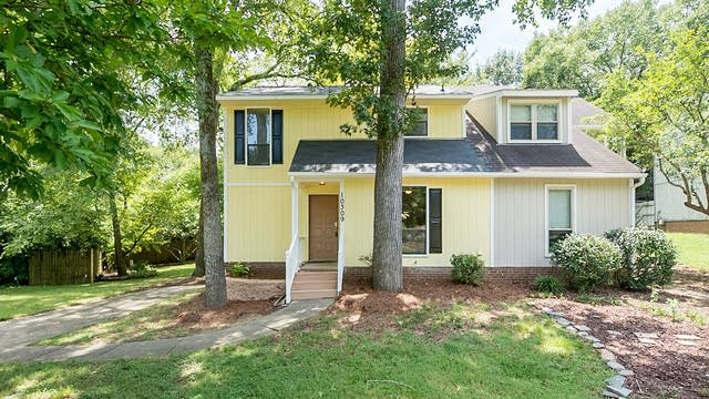 Photo 1 of 13 - 10309 Osprey Dr, Pineville, NC 28134