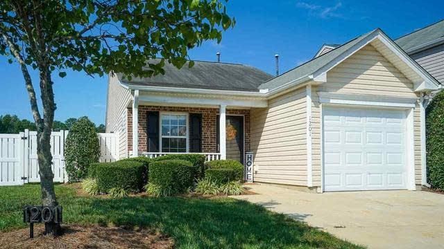 Photo 1 of 28 - 1201 Meadow Moss Ct, Raleigh, NC 27613