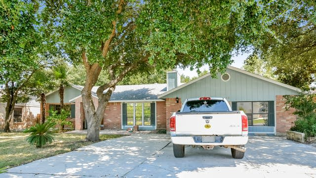 Photo 1 of 25 - 7408 Linkmeadow St, San Antonio, TX 78240