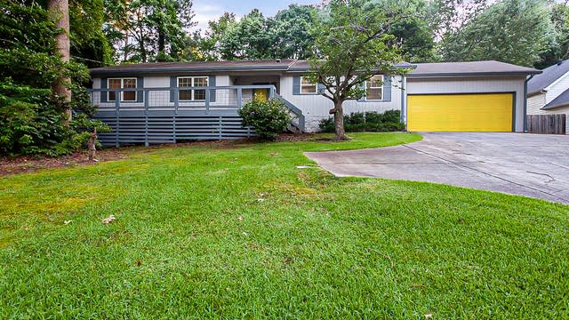 Photo 1 of 32 - 3881 Howell Ferry Rd, Duluth, GA 30096