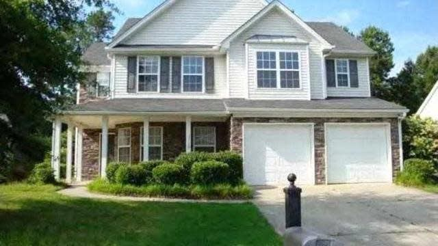 Photo 1 of 19 - 3367 Hill Pond Dr, Buford, GA 30519