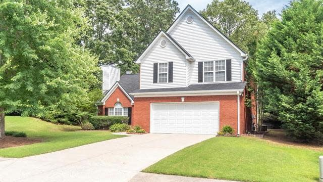 Photo 1 of 40 - 3595 Rivers End Pl, Buford, GA 30519