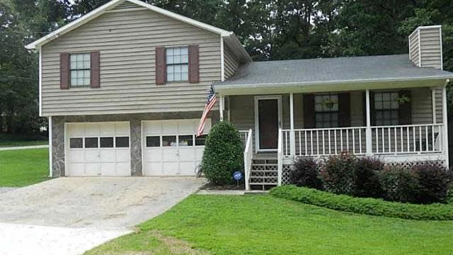 Photo 1 of 23 - 2506 Luke Ct, Buford, GA 30519