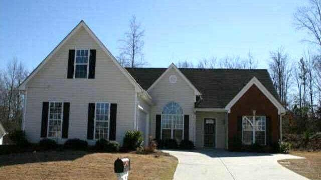 Photo 1 of 2 - 4269 Duncan Ives Dr, Buford, GA 30519