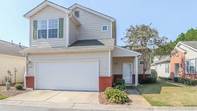 Photo 1 of 27 - 143 Windcroft Cir NW, Acworth, GA 30101