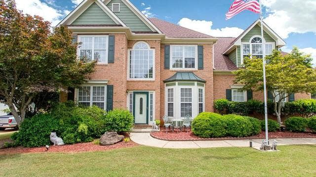 Photo 1 of 25 - 5009 Weatherstone Dr, Buford, GA 30519