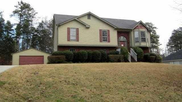 Photo 1 of 15 - 2135 Oakpointe Ct, Buford, GA 30519
