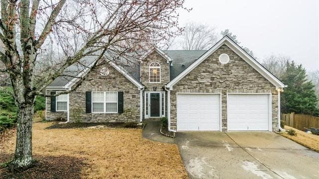 Photo 1 of 25 - 3307 Hill Pond Dr, Buford, GA 30519