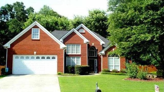 Photo 1 of 22 - 3559 Elinburg Ct, Buford, GA 30519