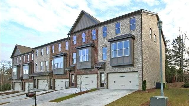 Photo 1 of 20 - 2807 Laurel Valley Trl, Buford, GA 30519