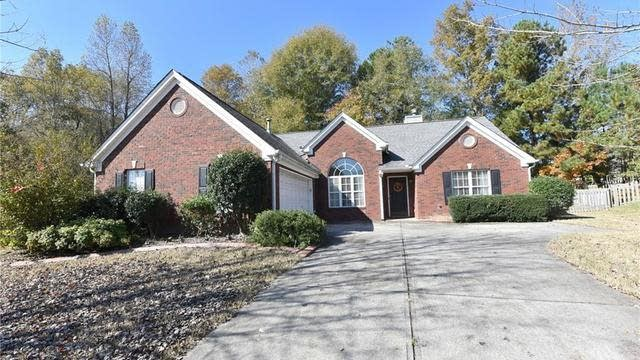 Photo 1 of 33 - 3480 Rivers End Pl, Buford, GA 30519