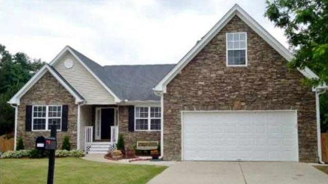 Photo 1 of 25 - 2237 Pierce Way, Buford, GA 30519