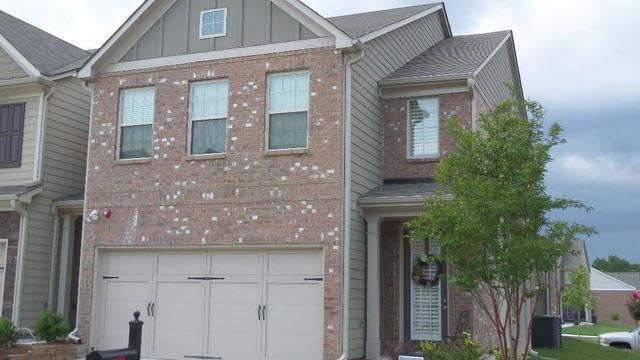 Photo 1 of 23 - 2414 Attewood Dr, Buford, GA 30519