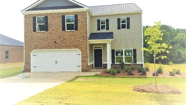 Photo 1 of 34 - 9801 Byrne Dr, Jonesboro, GA 30236
