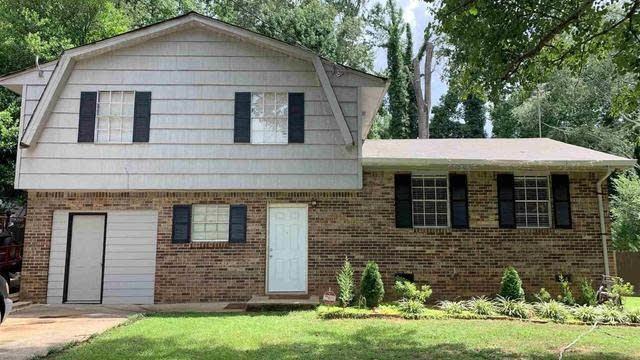Photo 1 of 20 - 1749 Tilden Ave, Jonesboro, GA 30236